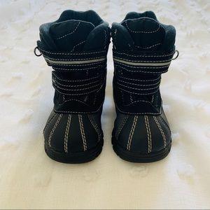 Children's place winter boots size 10